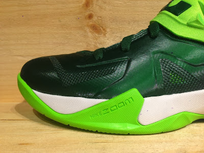nike zoom soldier 7 tb gorge green 2 02 Closer Look at Nike Zoom Soldier VII Team Bank Styles