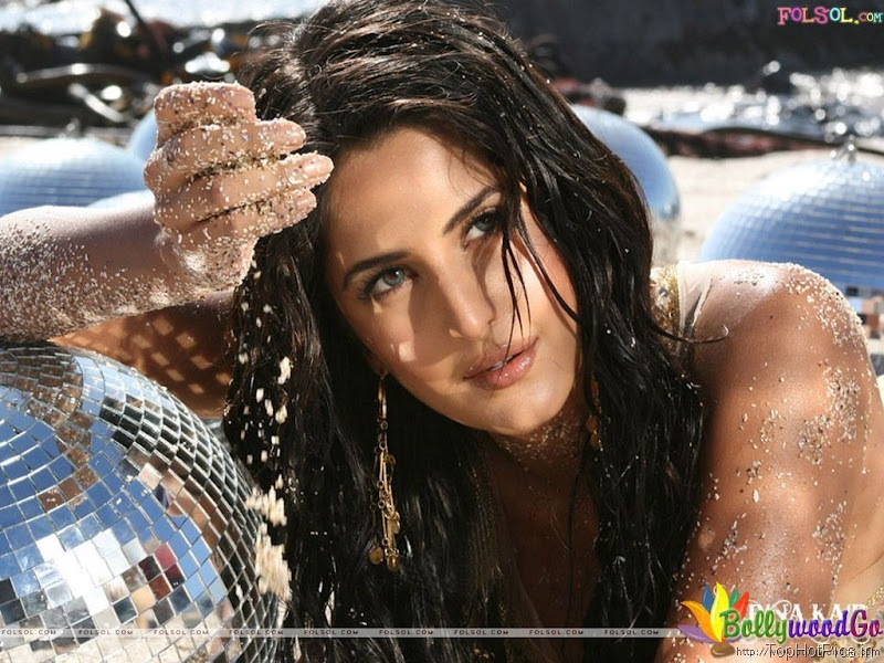 Katrina Kaif Latest Cute Wallpapers 7