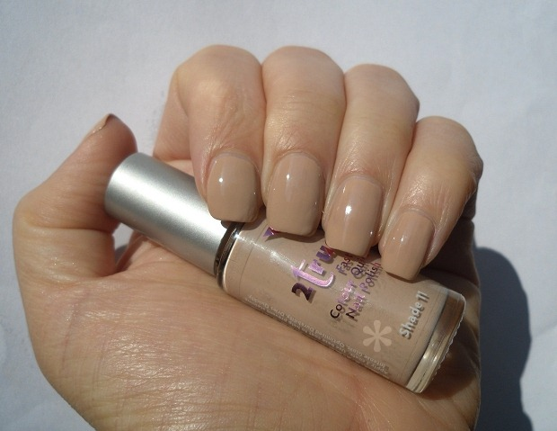 002-2true-nail-polish-nude-shade-11-review-swatch