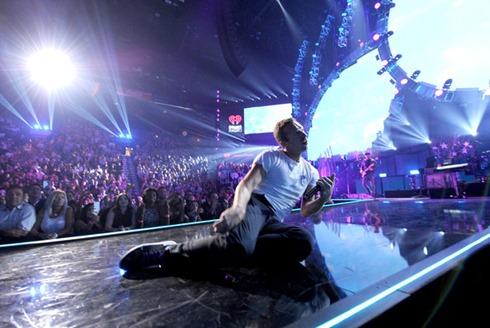 Chris Martin 2014 iHeartRadio Music Festival bMcDGFoynxUl