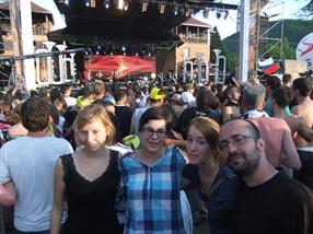 Manu, Hanna, Steffie y el menda en Guča