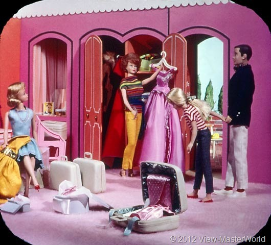 View-Master Barbies Around the World Trip (B500), Scene 2