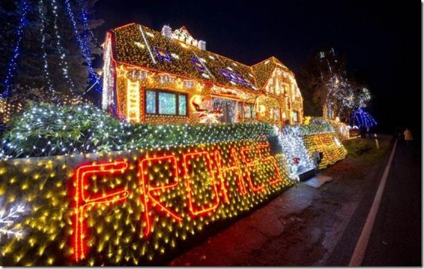 best-christmas-lights-houses-35