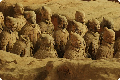 Terra_Cotta_Warriors_Xian1