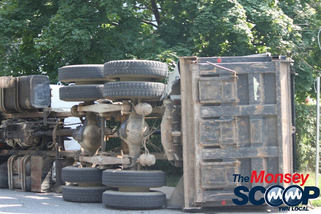 Overturned Truck On Paiken Drive In Spring Valley (Moshe Lichtenstein) - IMG_4452.JPG