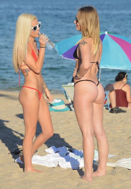 Halle Von and Dakota James in Thongs and Tiny Bikinis Taking Pics of their Beautiful sexy Ass