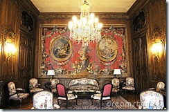 luxury-living-room-middle-ages-7375080