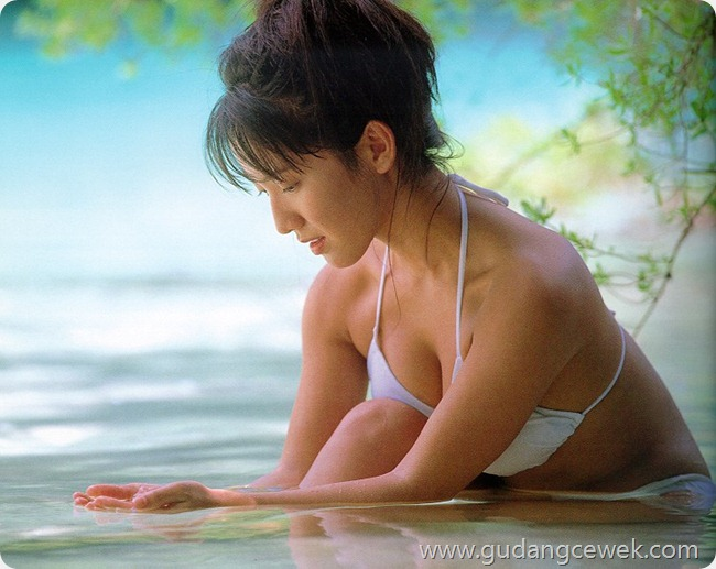 Yuko Sakaki Hot Photos in Bikini || gudangcewek.com