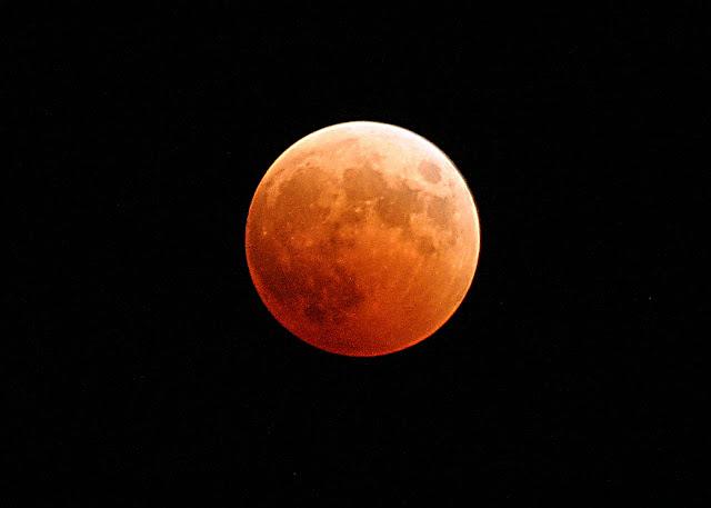 Linda Postal de Amor de la Luna