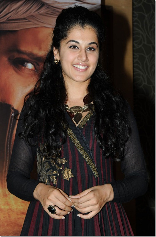 taapsee_cute_still