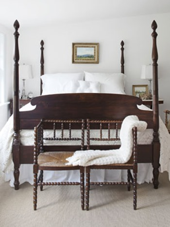 Country-Farmhouse-DIY-mahogany-and-white-master-bedroom-0112-mdn