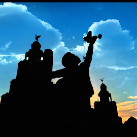 Liverpool Silhouette by James Hall - Buildings & Architecture Statues & Monuments ( statue, merseyside, sunset, silhouette, liverpool, liver, birds )