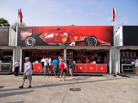 08. Magazin Formula 1 Ferrari.JPG