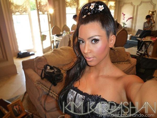 kim-kardashian-linda-sensual-sexy-sedutora-boob-peitos-decote-ass-bunda-gostosa-desbaratinando-sexta-proibida (151)