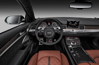 2014-Audi-S8-04.jpg
