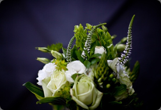 green-rose-mint-white-lisianthus-bouquet Anna and Spencer Photography boukates