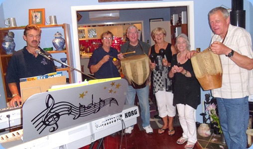 And the band played on! Left to Right: Peter Littlejohn, Yvonne Moller, Gordon Sutherland, Jan Johnston, Delyse Whorwood and Flemming Moller.