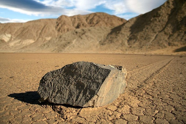 sailing-stones-death-valley-2