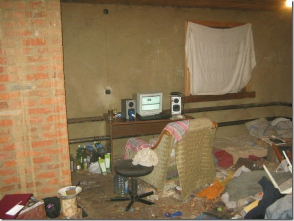 dirty-workstations-12