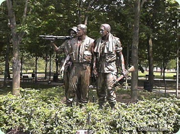 SoldiersVWall2002