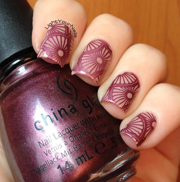 Nude and mauve nail stamping with plate BP-L003