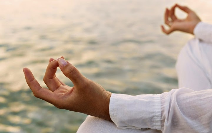 Du lịch tâm linh Phật giáo - Người Áo Lam