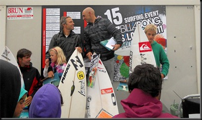 surfing_event2011_2