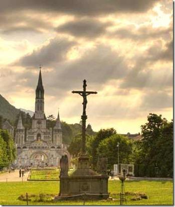 Basilica-Lourdes_thumb3