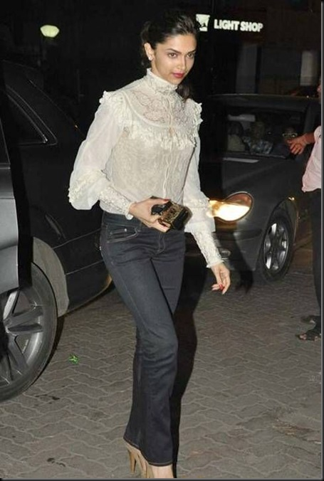 deepika padukone at ranbir kapoor birthday bash