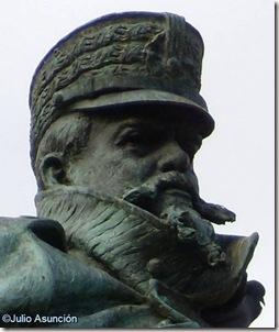 Escultura de Martínez Campos - retrato - El Retiro - Madrid