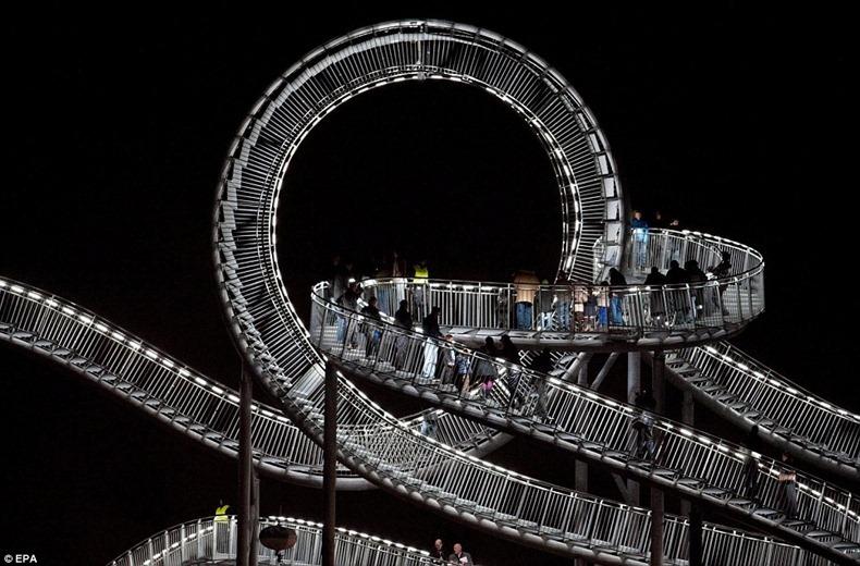 pedestrian-roller-coaster-10