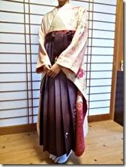 袴と振袖で卒業式の前撮りを (1)