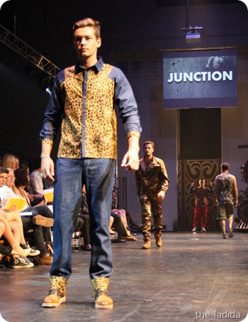 Kobe Kai - Raffles Graduate Fashion Show 2012 - Junction (99)