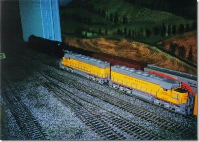 03 O-Scale Layout in Portland in Winter 2001
