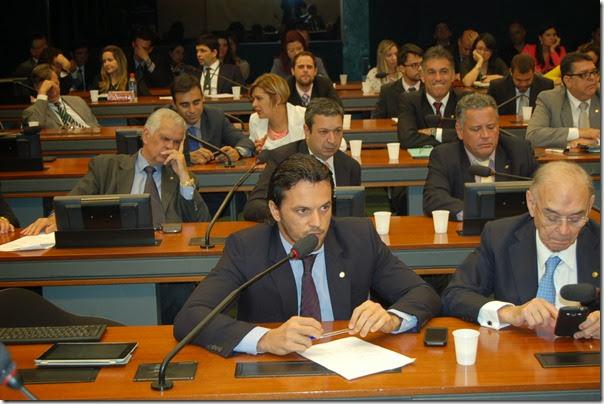 19-11-2013 Comissão