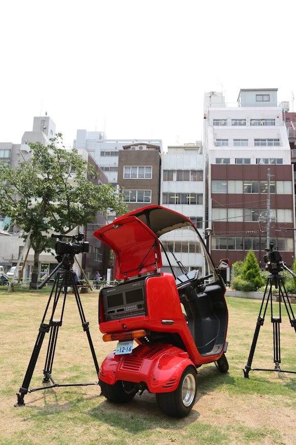▲カメラ2台と世界一小さな中継車 PandaBird(パンダーバード)