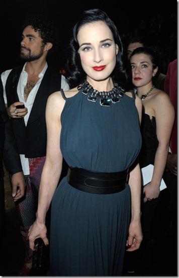 Dita Von Teese Celebs Paris Fashion Week 5gId01aQVyJl