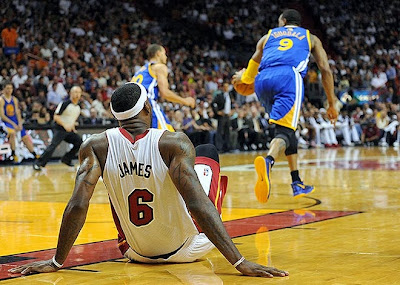 lebron james nba 140102 mia vs gsw 06 LeBron James Shoes Leave Massive Skid Mark On Court