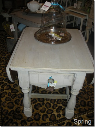antique show and chalk paint 020