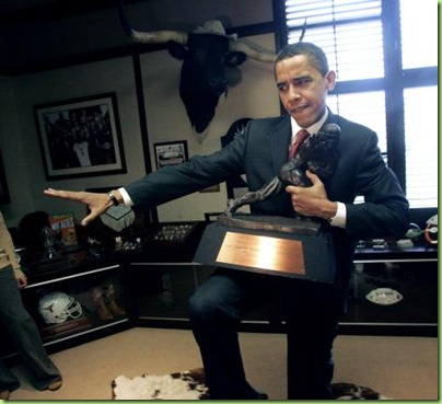 Obamaheisman trophy%202008-3