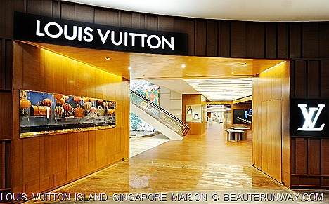 Louis Vuitton Island Singapore Main Entrance at MBS Basement 2