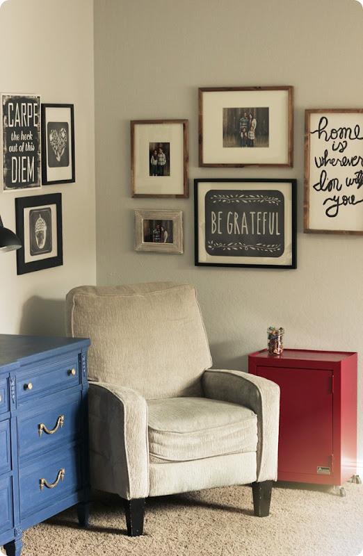 Wallternatives and easy corner gallery wall 6