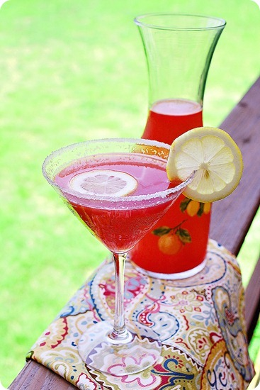 Citrus Watermelon Martinis – Cool off with an icy cold, fresh watermelon martini with fresh lime juice and vodka! | thecomfortofcooking.com