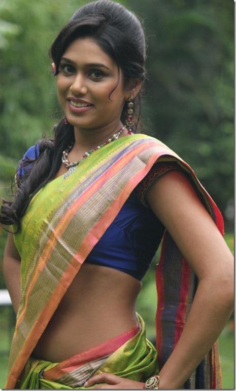 manisha_yadav_stylish_pic