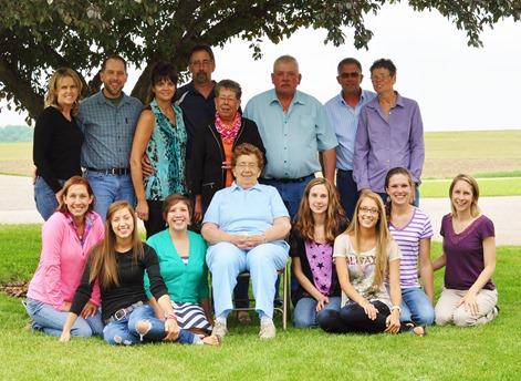 2013-06-09 grandmas party (278)