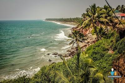 2-plaja-si-faleza-din-varkala-india.jpg