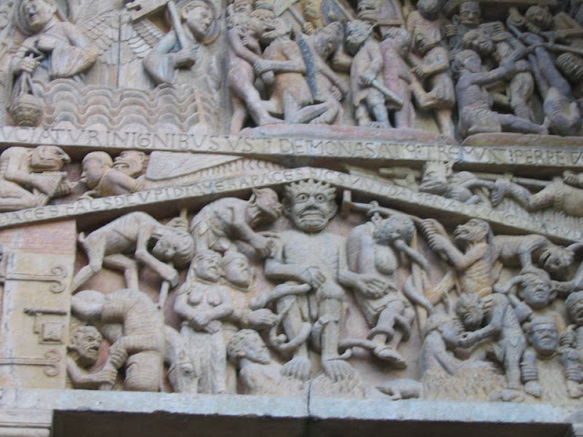 Conques_carving_detail_IMG_6349.JPG