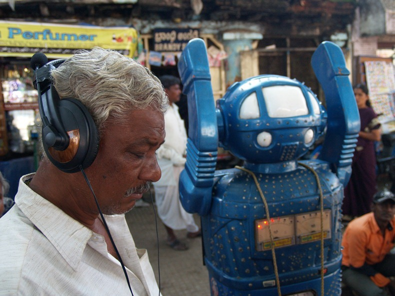 fortune-telling-robots-9