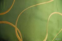 """Luksusowa tkanina typu """"tafta"""". Na zasłony, poduszki, narzuty, dekoracje. Dwustronna. Zielona."""