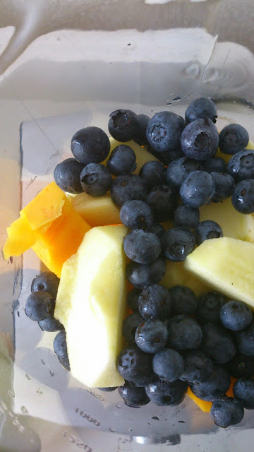 smoothie mango blauwe bes